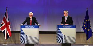 Brexit: Londres et Bruxelles commencent prudemment à négocier