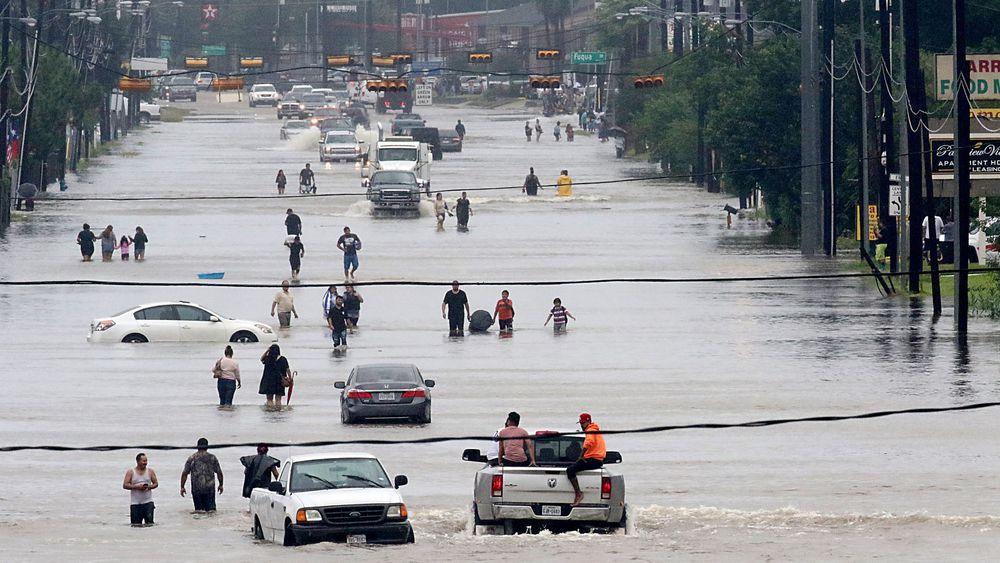Tempête Harvey: les inondations continuent au Texas!