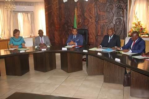 Séance de travail à la primature: En ligne de mire, la Situation des agents en pré- recrutement au Ministère de l'Éducation Nationale.
