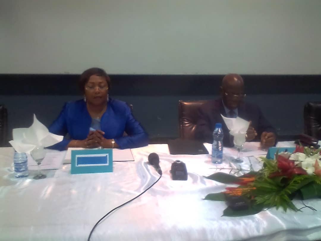 Michel Menga M'Essone sur la table avec les partenaires sociaux!