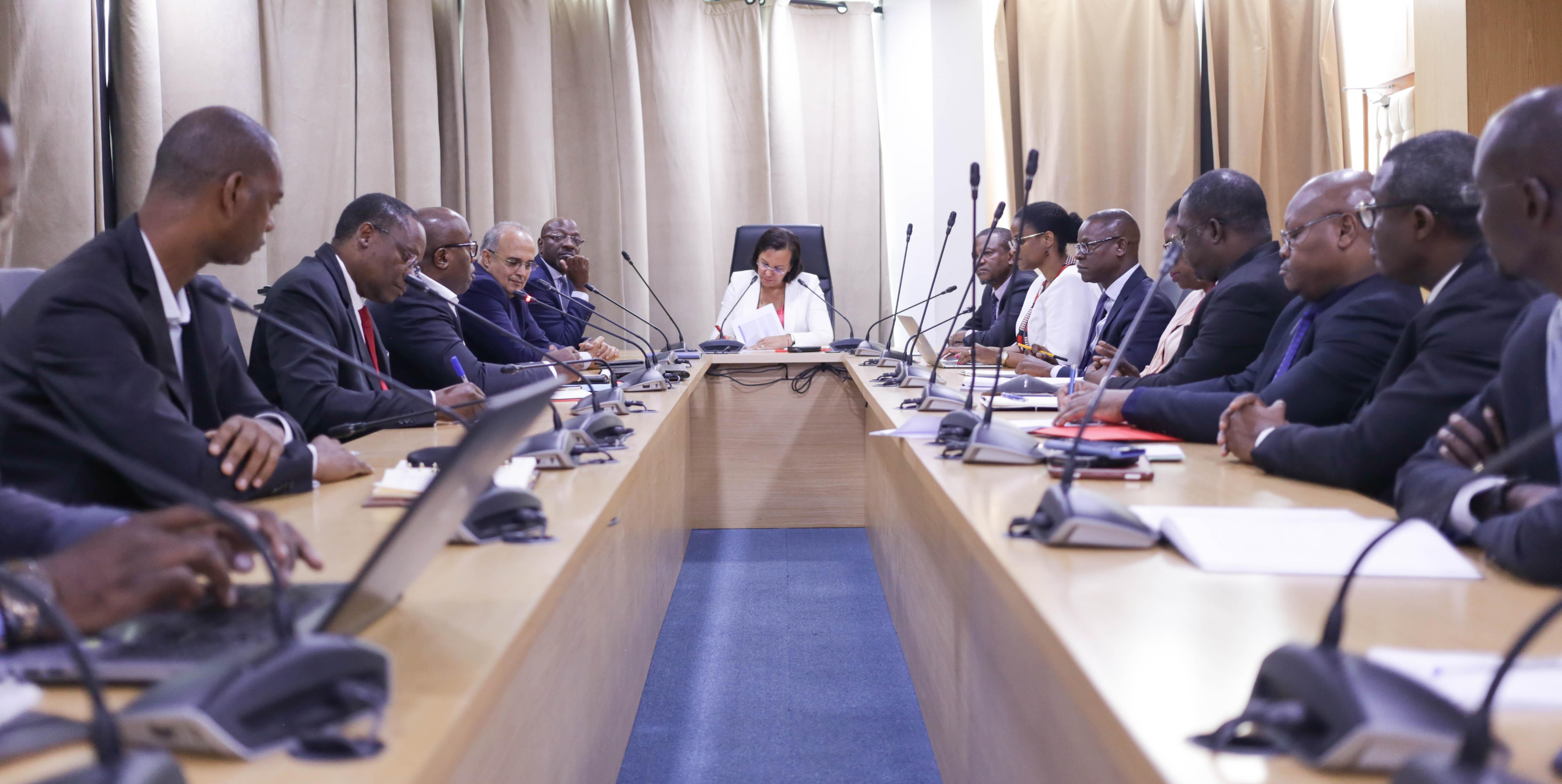 La question de l'adéquation formation-emploi mise sur la table du Ministre de l'emploi!
