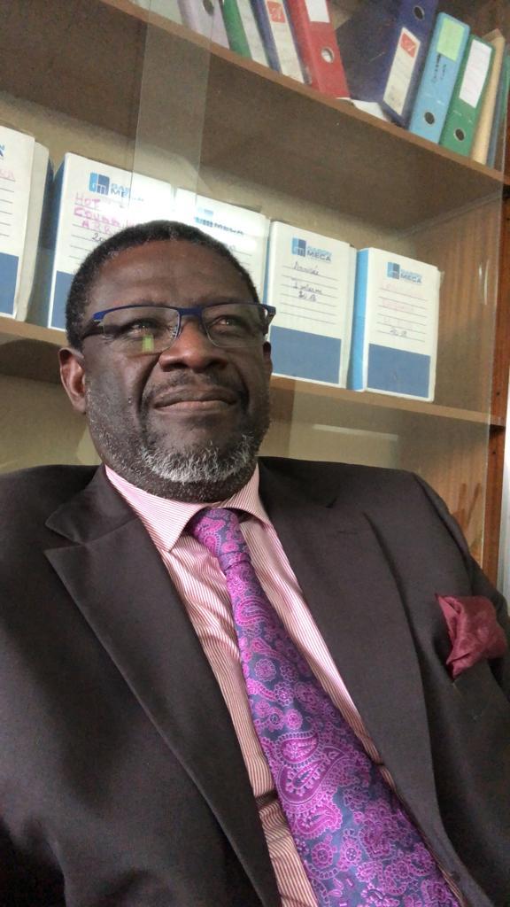 » L'urgence absolue pour le pays est donc de réduire les dépenses publiques, avant que nous nous retrouvions dans une situation financière et économique catastrophique» dixit Francis Jean Jacques EVOUNA!