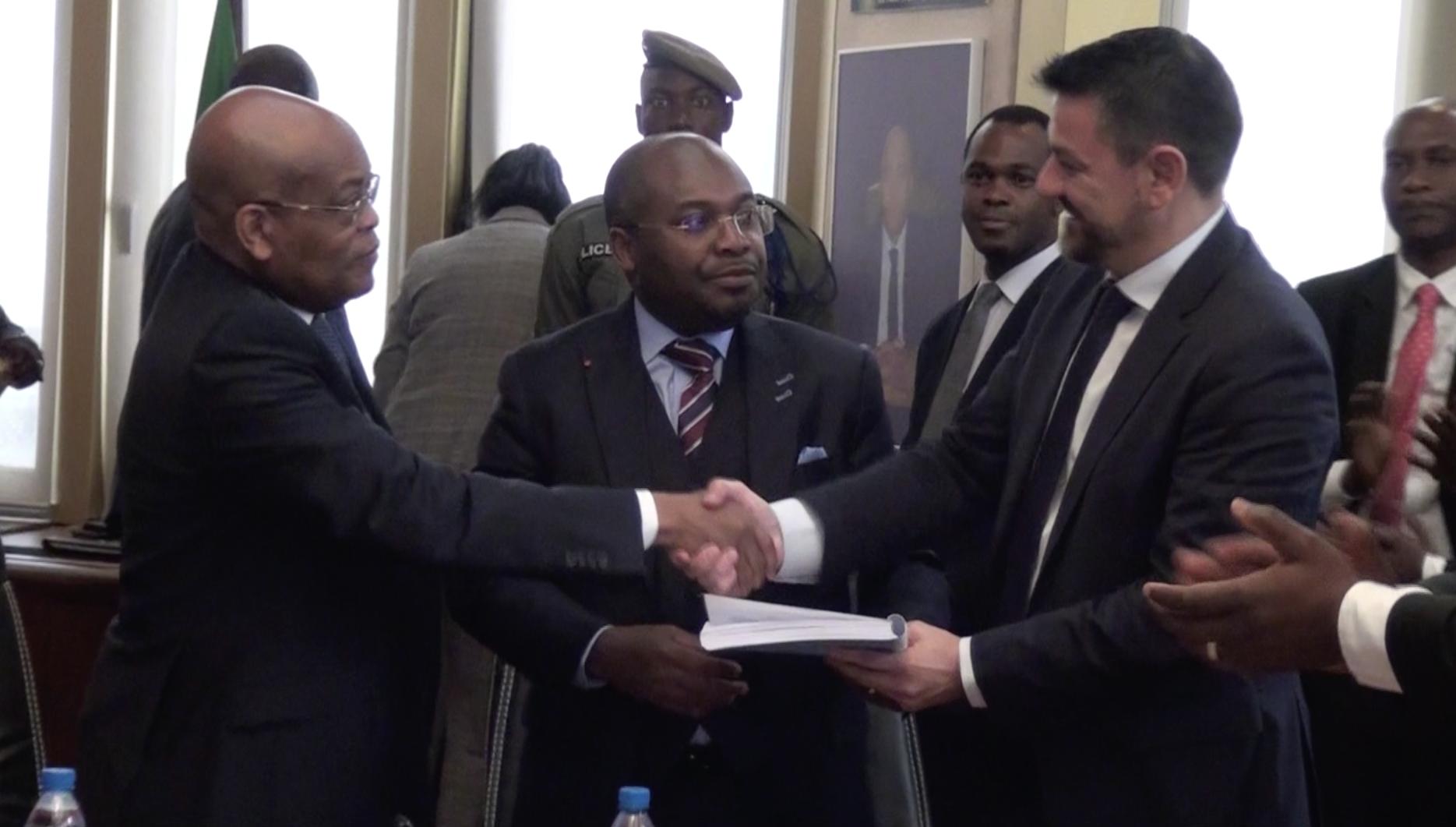 Signature de sept contrats entre l'état et les compagnies pétrolières que sont Assala Upstream Gabon, Assala Gabon SA, Perenco Oil & Gas Gabon et Sinopec Oversas & Gas Limited!