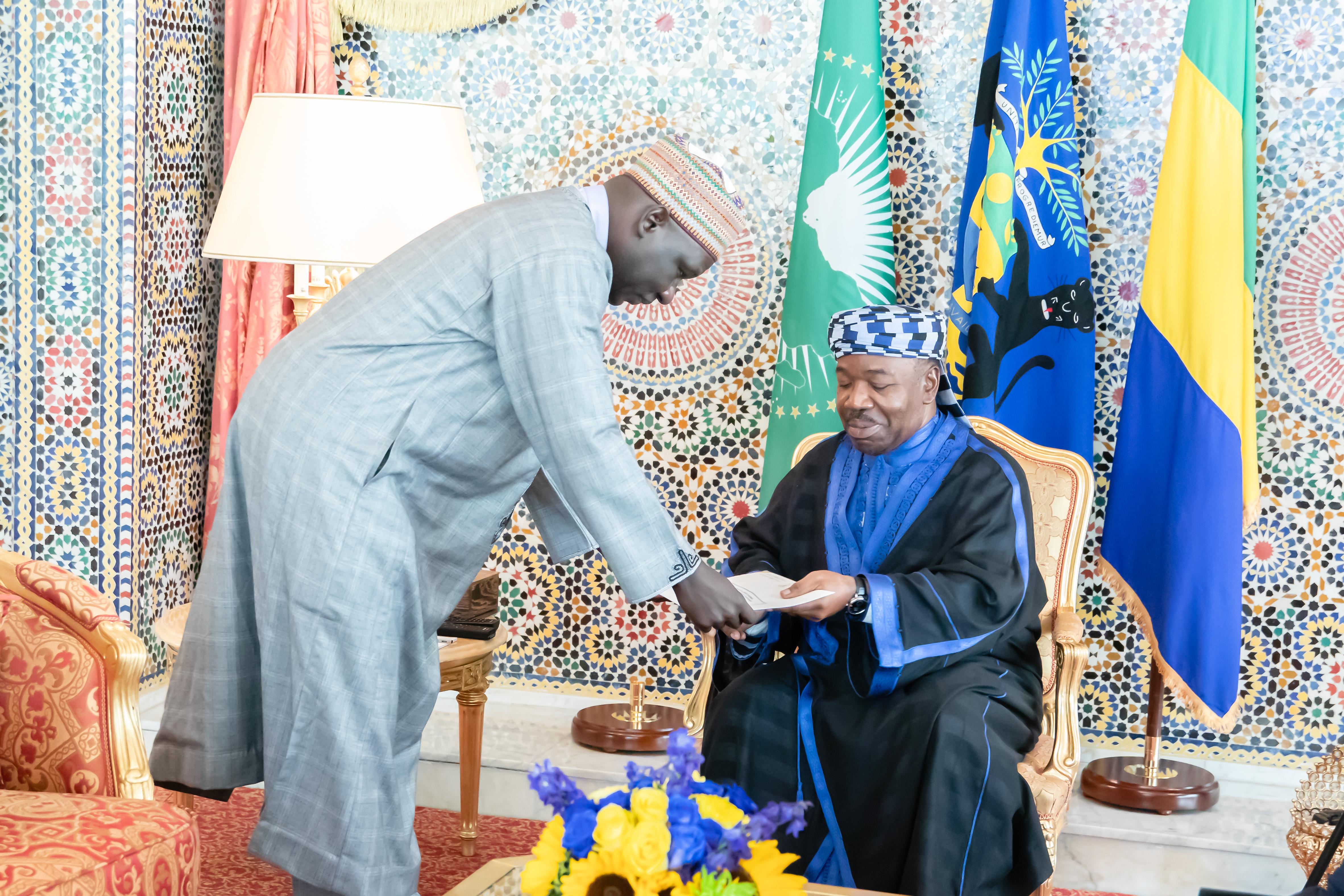 Un émissaire de Paul Biya reçu par le président de la république, Ali Bongo Ondimba!