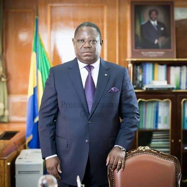 Jean Marie Ogandaga rend hommage à Emmanuel Issoze Ngondet