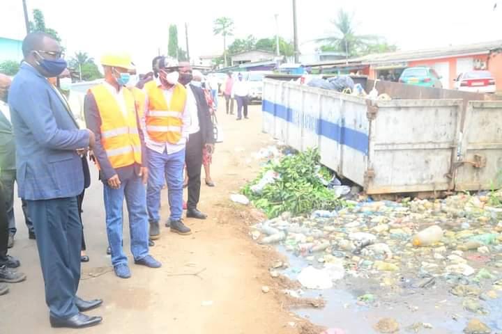 Lutte contre l'insalubrité : Eugène Mba dans certains arrondissements de Libreville !