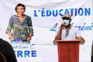 Lambarené : Pour sa « contribution à l'insertion et l'autonomisation des populations de sa circonscription politique », Madeleine Edmeé Berre offre des cours de conduite à 150 jeunes !