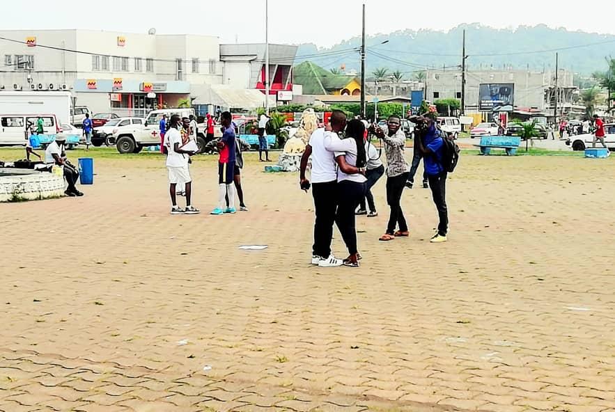 Le phénomène des «chouttes»: une activité aux revenus moyens pour les jeunes gabonais