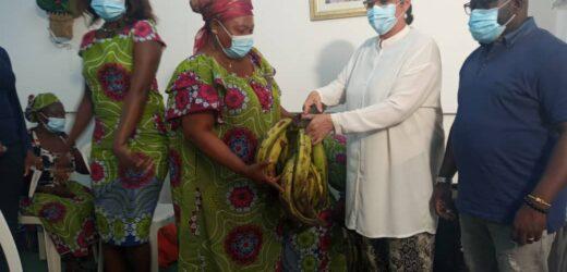 L'association des femmes veuves du 3e arrondissement de Libreville célèbre la fête des mères et des pères en différé avec leurs élus