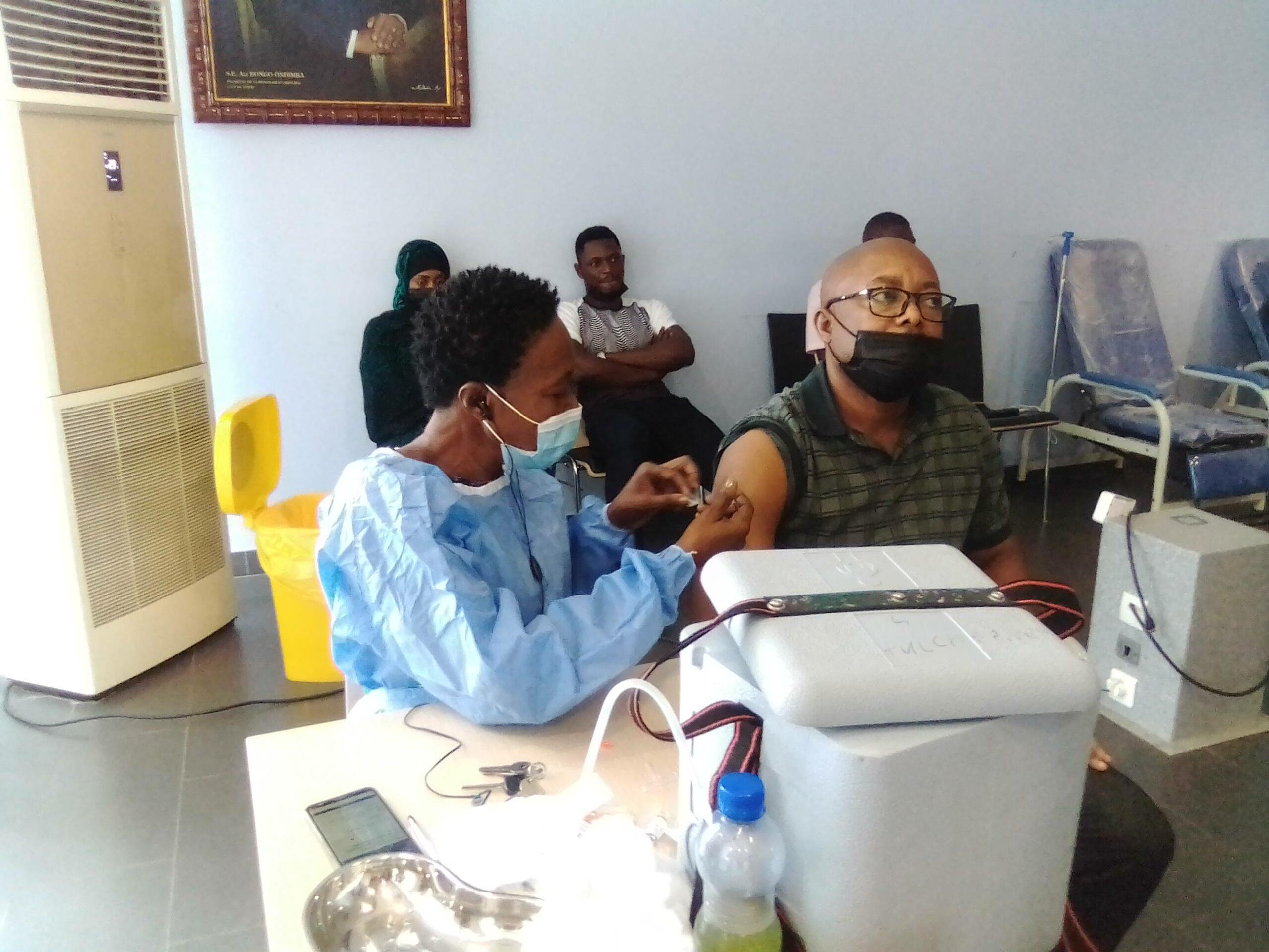 Covid-19: plusieurs journalistes membres du RENAJI ont reçu leurs deux doses de vaccin