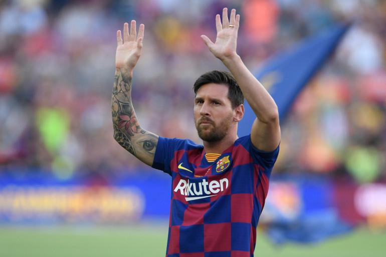 FOOTBALL: Lionel Messi fond en larmes pour ses adieux au Barça