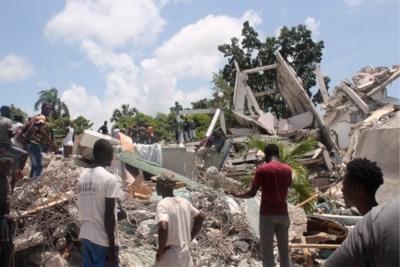 Haïti déplore 1940 morts après un puissant séisme