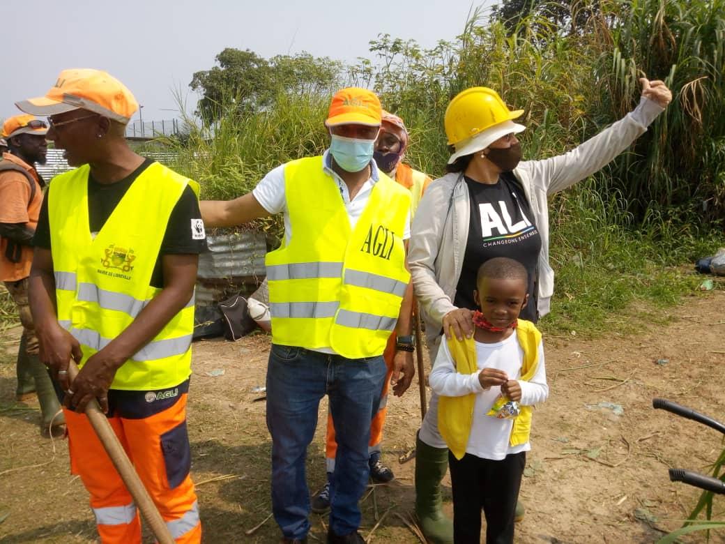 La députée Sylvie Kotha en mission d'assainissement dans le 3e arrondissement 1e siège de Libreville