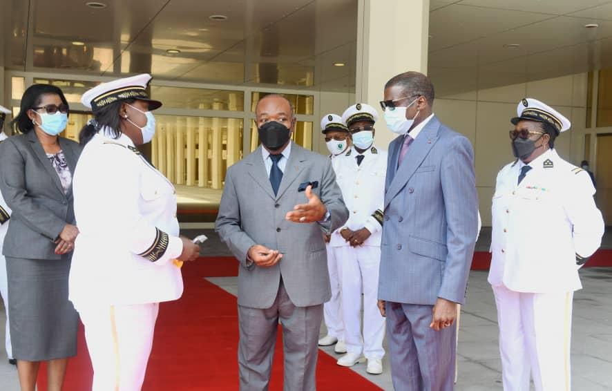 Journée du drapeau : Ali Bongo Ondimba reçoit les Gouverneurs de province