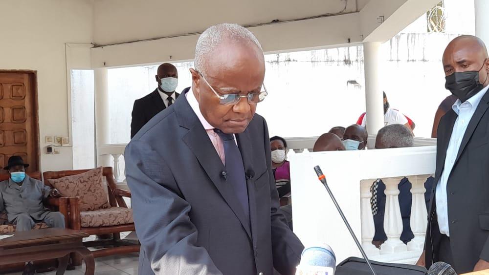 Urgent : Jean Eyeghe Ndong quitte la CNR et se met à la disposition de l'État
