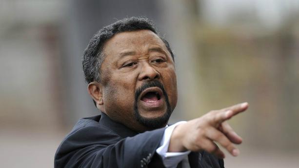 Gabon: lâché par Jean Eyeghe Ndong, l'opposant Jean Ping garde le cap