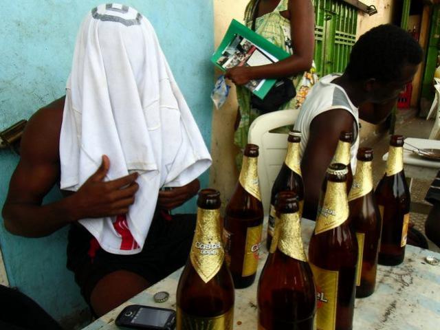 Gabon: Les tenanciers de bars interdits de servir de l'alcool aux mineurs