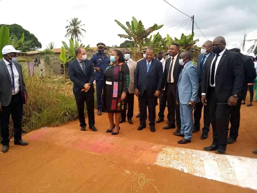 Le vrai du faux sur cette photo de la prétendue inauguration d'un dos d'âne dans la commune de Ntoum !