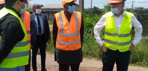 Infrastructures : Léon Armel Bounda Balonzi inspecte les travaux de voiriesdu Grand Libreville